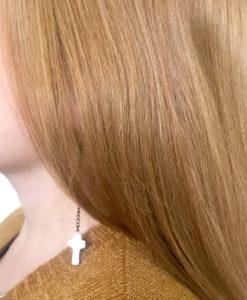 Boucles d'oreilles en céramiques en forme de mini croix