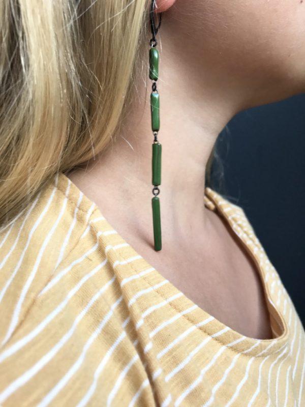 Boucles d'oreilles Xiral, graphiques formées de 4 rectangles de céramique