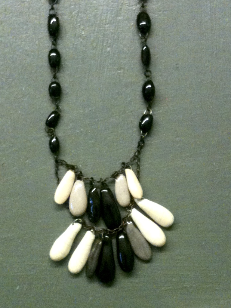 Swinging Marie-Plume drops necklace made of small hand made beads and degrade drops