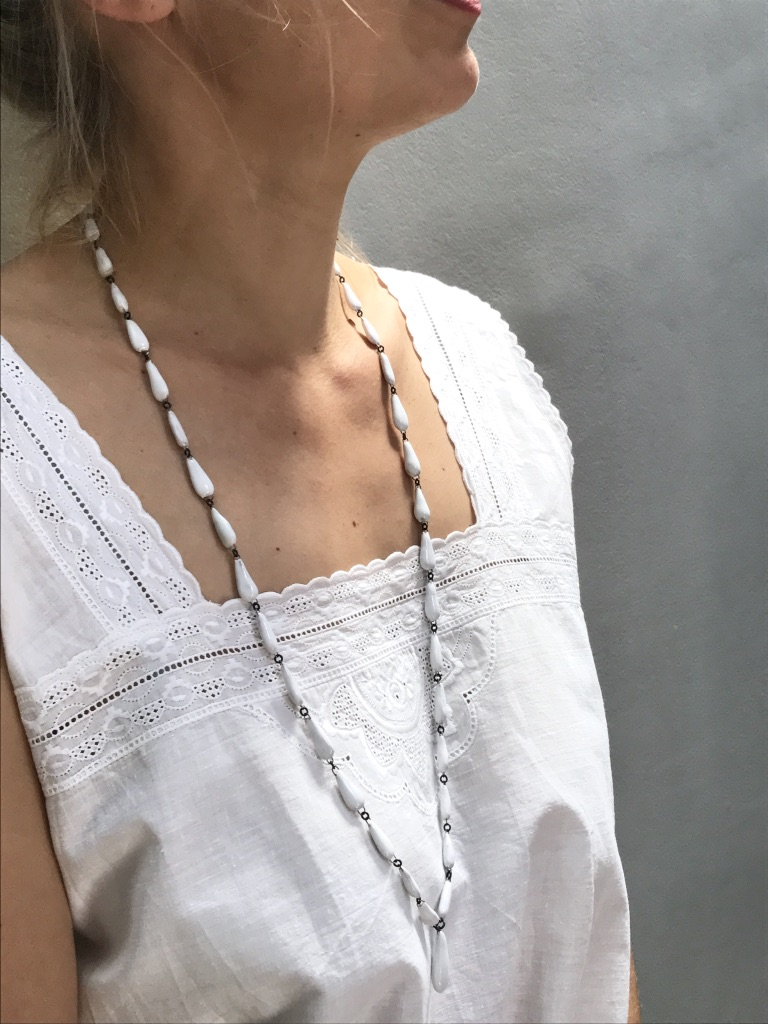 White hand made ceramic drops necklace by Claire Hecquet-Chaut