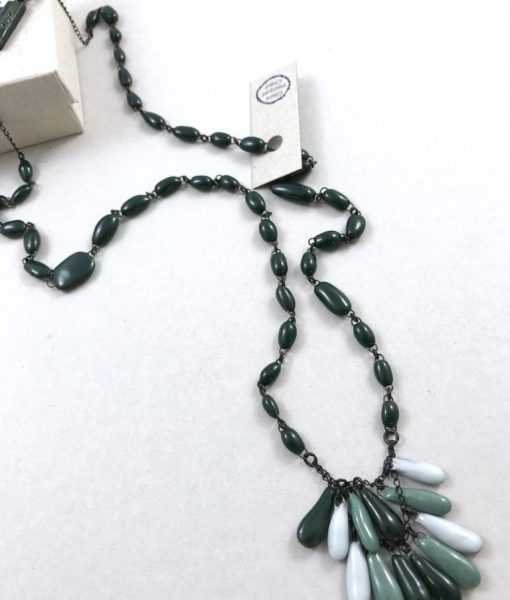 Mid bust ceramic necklace with color degrade drops, light and chic