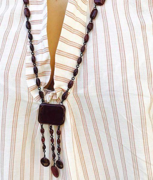 Burgundy rectangle ceramic necklace by Claire Hecquet-Chaut
